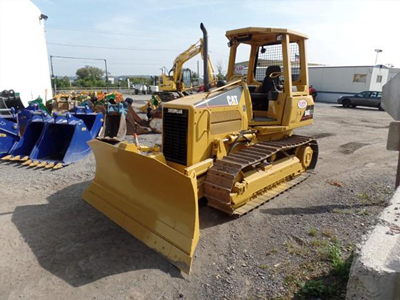 bulldozer rental cat and komatsu