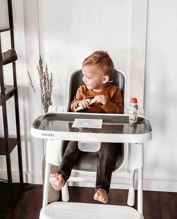 Tips to get your toddler to sit and eat at the table!
