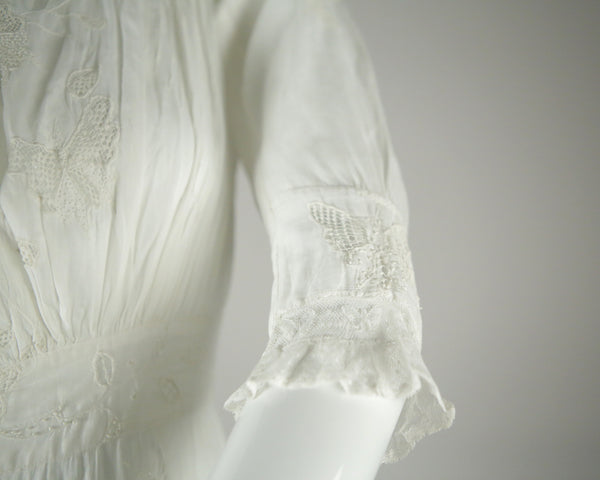 D040- Edwardian Wedding Dress in amazing condition