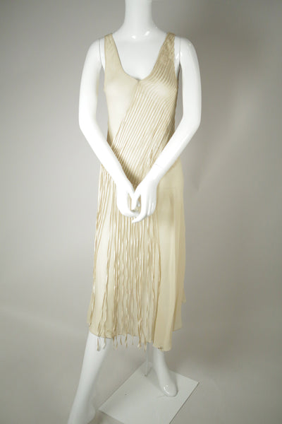 D068- Flapper-Inspired Silk Dress