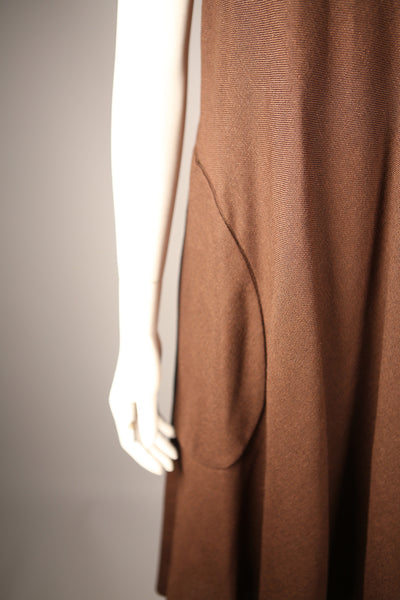 D088 - 1970s Brown Shift Linen Dress