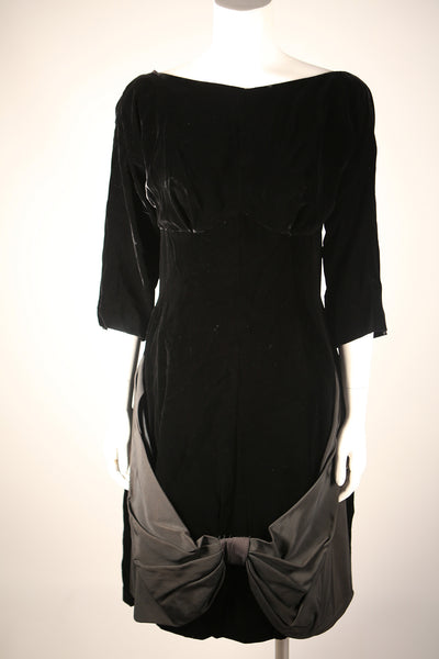 D093 - Stunning Black Velvet Boatneck Dress