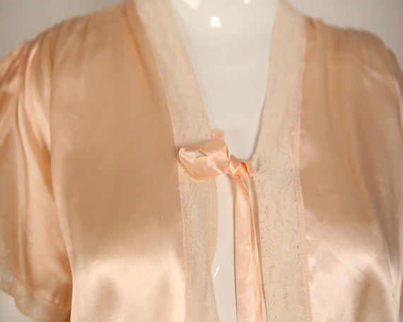 T150- 1930s Peach and Cream Boudoir Jacket