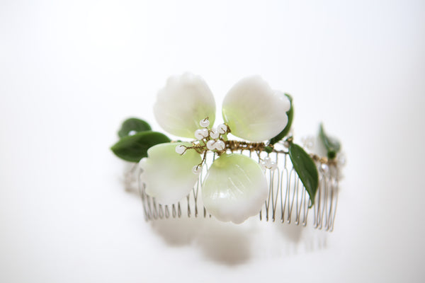 A034- Handblown Glass & Pearl Bridal Comb- Green