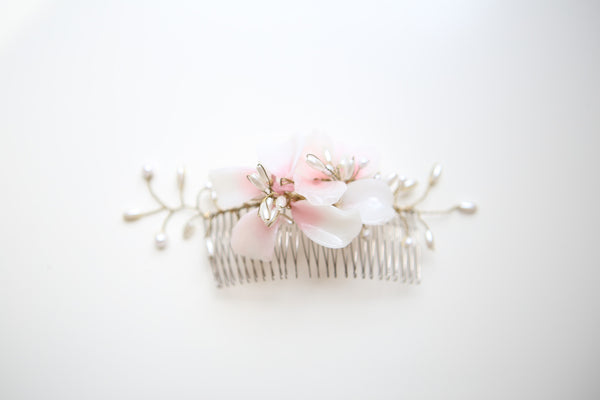 A035- Handblown Glass & Pearl Bridal Comb- Pink
