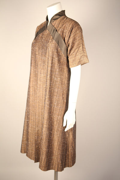 T071 - 1950s Silk Dress Coat