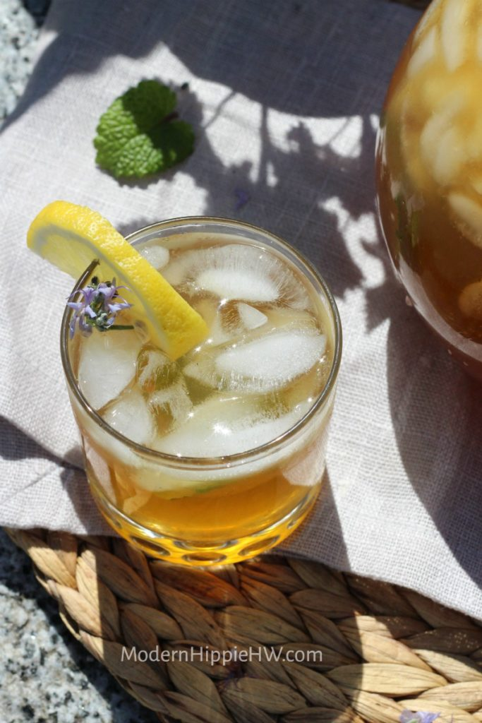Lemon Balm Iced Tea