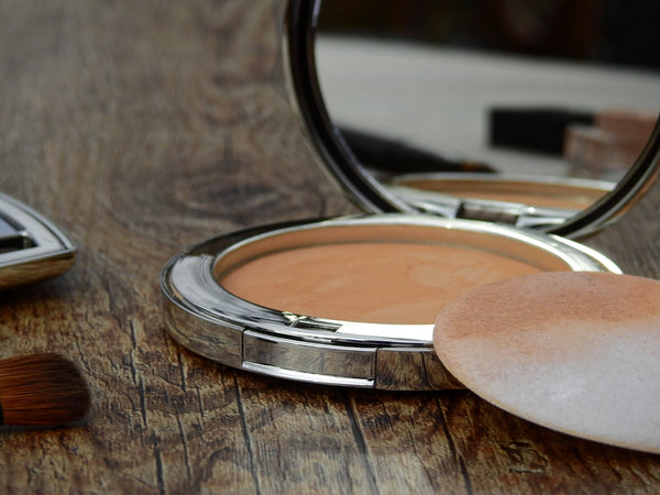 Hello Gorgeous: Your Guide to Finding the Best Organic Foundation