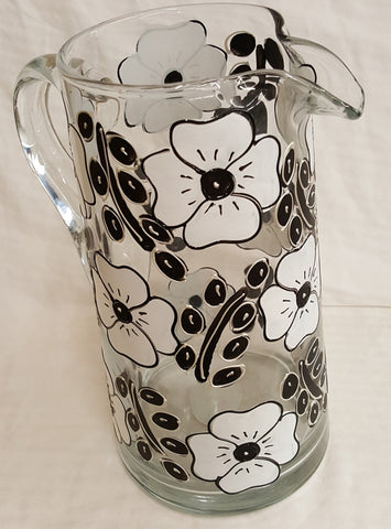 Black and White Flower 64 oz Pitcher mom's gift