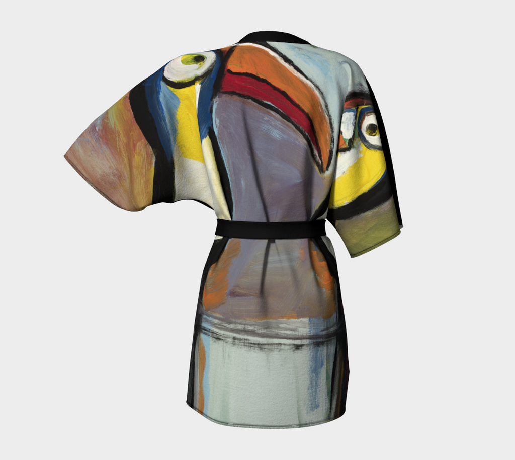 Art printed kimono robe of toucan birds.