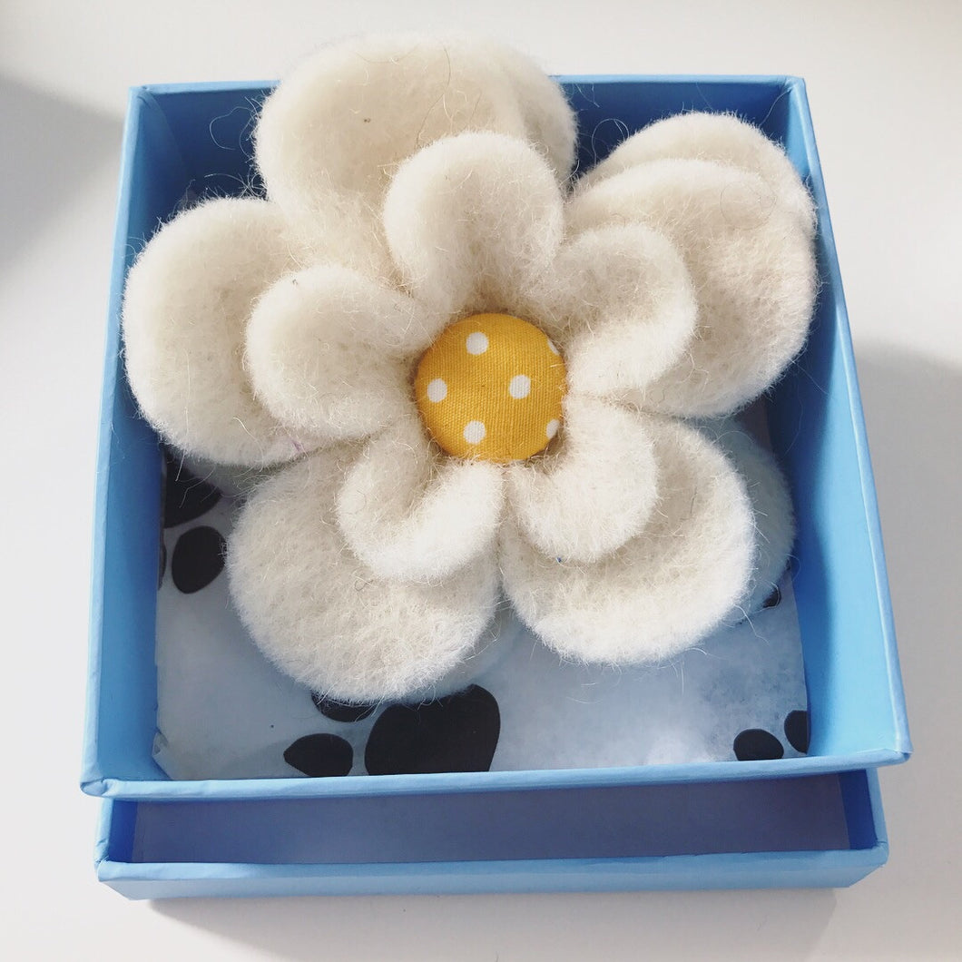 Toozy Betsy Hand Made Daisy Felt Corsage for Collar
