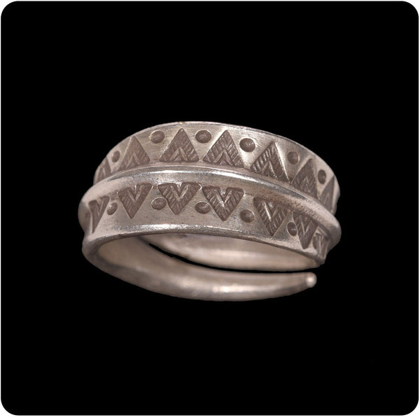 Zig Zag Tribal Ring