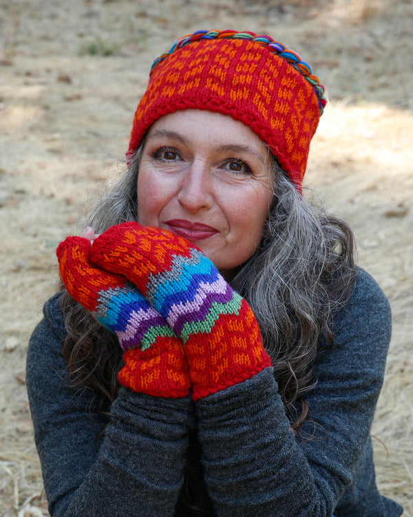 Intarsia Fingerless Gloves