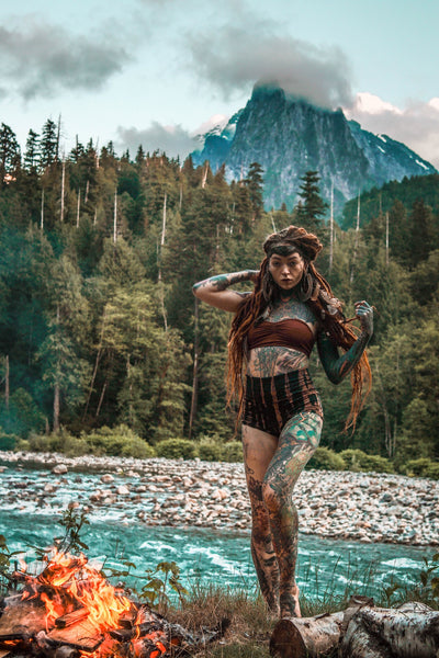 Morgin.Riley-nature-yoga_wear-fire-water-forest-mountains