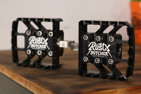 Rusty Butcher Mini Board Pegs