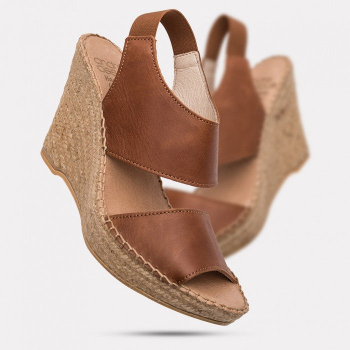 Andre Assous - Reese A Open Toe Wedge Sandal in Cuero - Seaside Soles