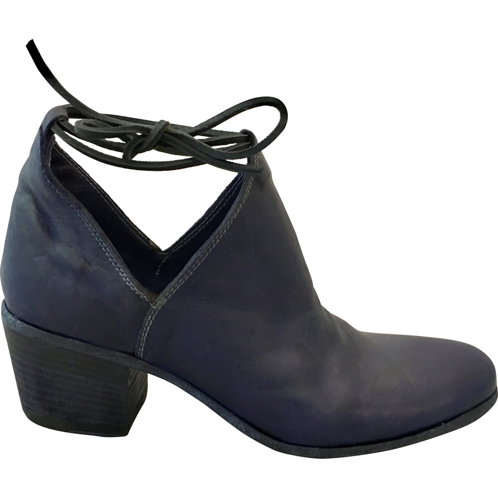 Gidigio - Cobalt Ankle Boot - Seaside Soles