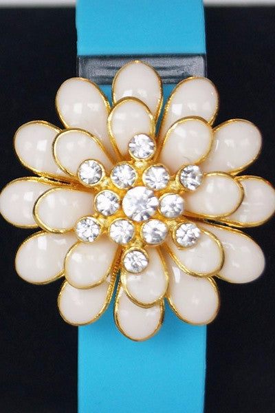 White Flower Fitfashions Charm