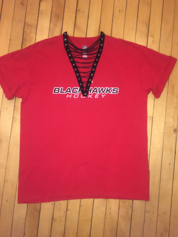 FanFashions BlackHawks Lace-Up T