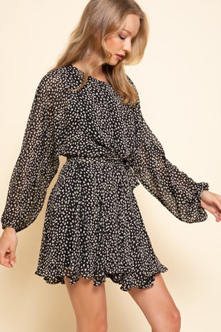 black print dress wide sleeve