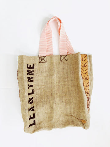 Dutzi Burlap Tote Bag in Blush - Lex & Lynne