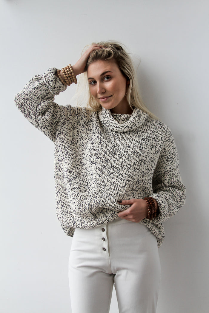 Relaxed Knit in Navy - Lex & Lynne