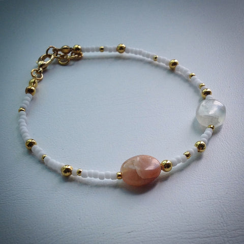 Beaded bracelet - white and gold seed beads and oval pink and clear quartz beads - eDgE dEsiGn London