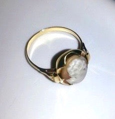 Dirty cameo ring