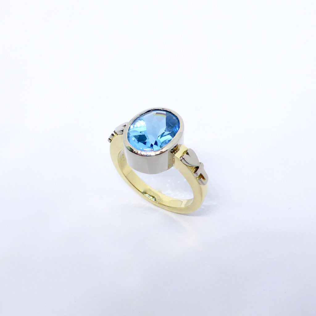 18ct Gold And Blue Tourmaline Dress Ring