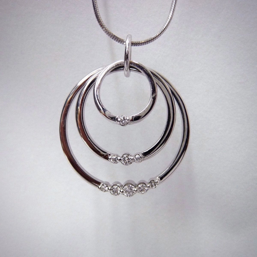 Pendants - Diamond Swing Pendant