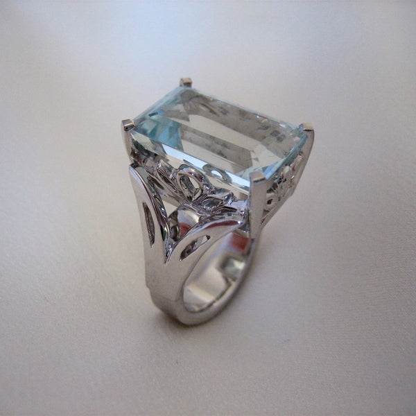 Rings - Handmade White Gold Ring Set With A Beautiful Aquamarine