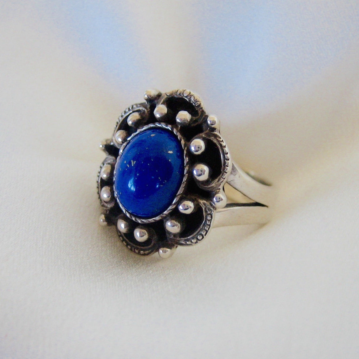 Rings - Vintage Style Silver Ring