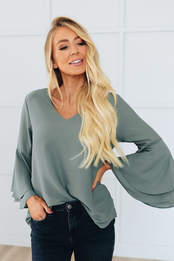 Bella Sleeves Top