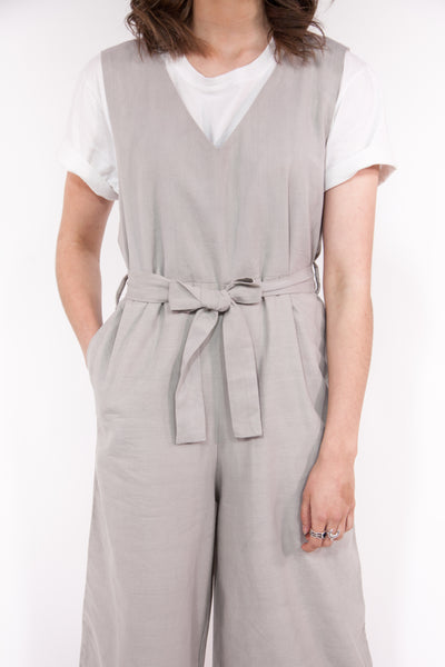 Jumpsuit V-Neck Sleeveless in Grey