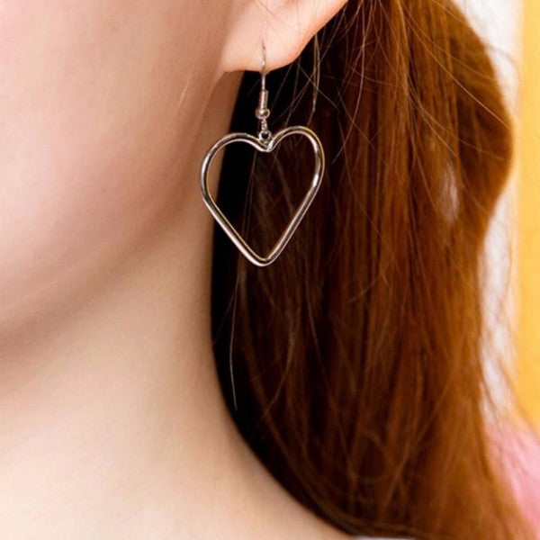 Hollow Heart Earrings (2 Colors)