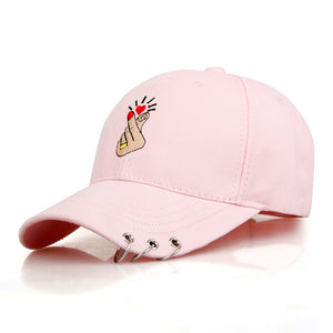 Pierced Kiss Hat (3 Colors)