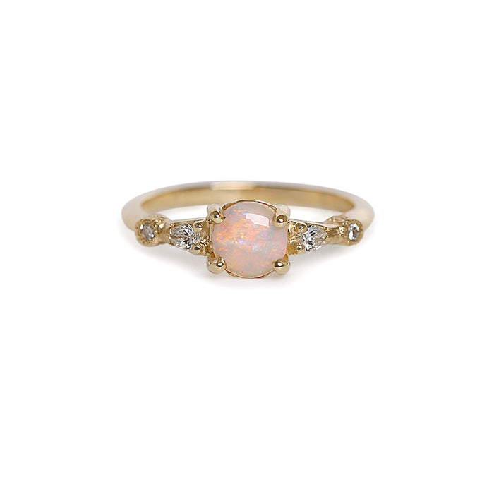 Astra opal Ring