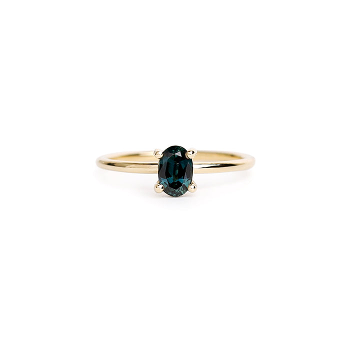 Oval sapphire plain band ring