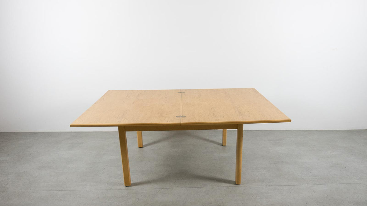 Swedish extending coffee table