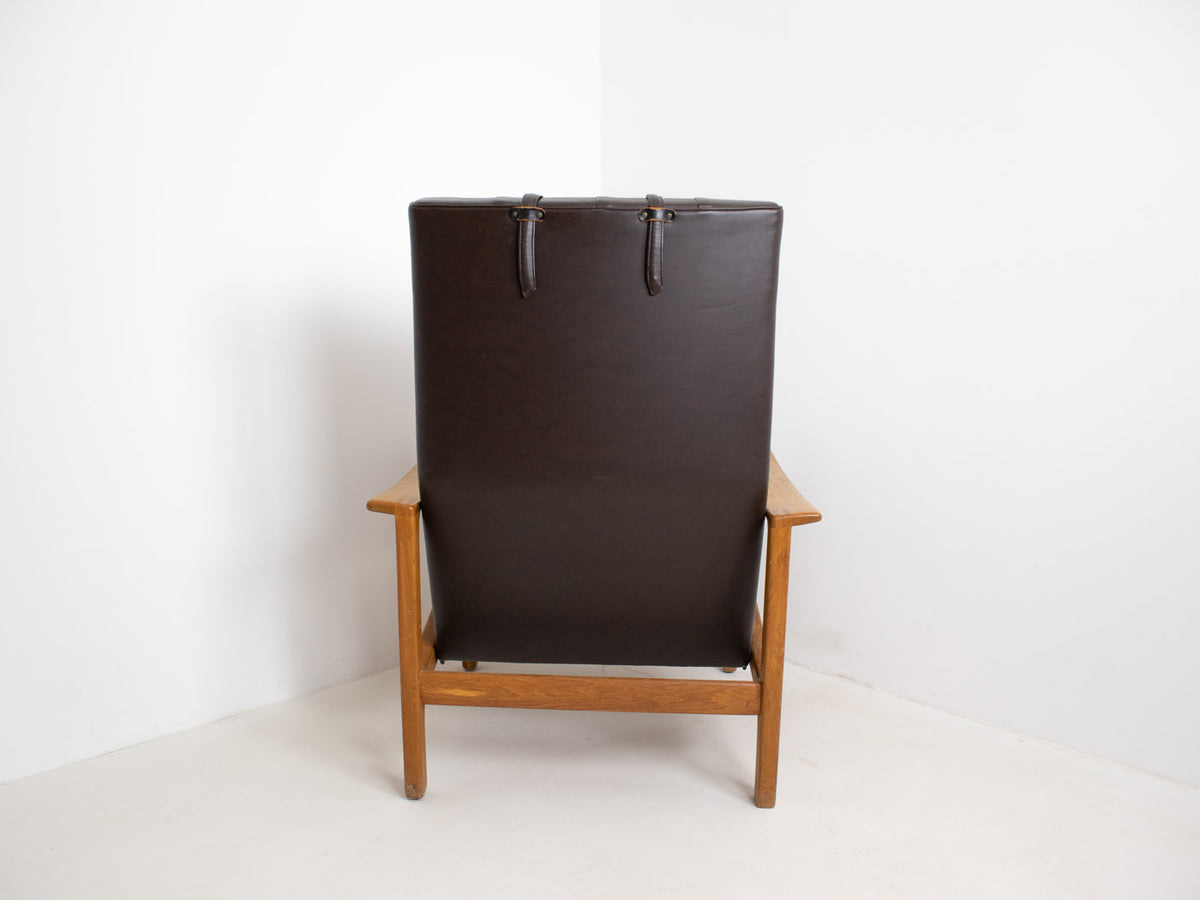 Vintage Swedish lounge chair with leather upholstery