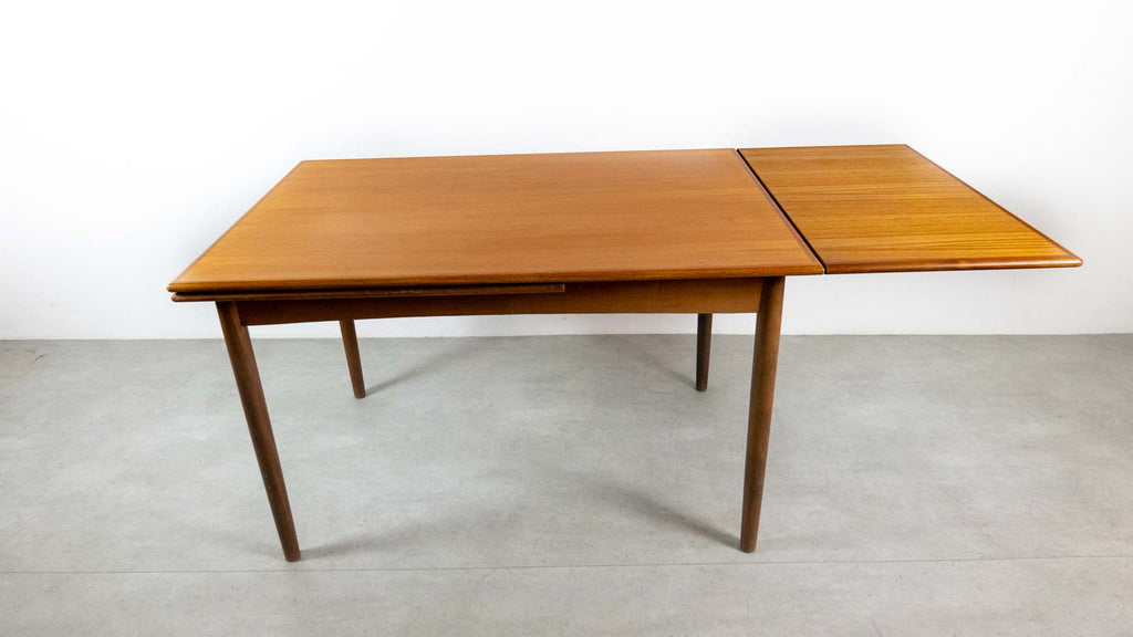 Danish table with extenders
