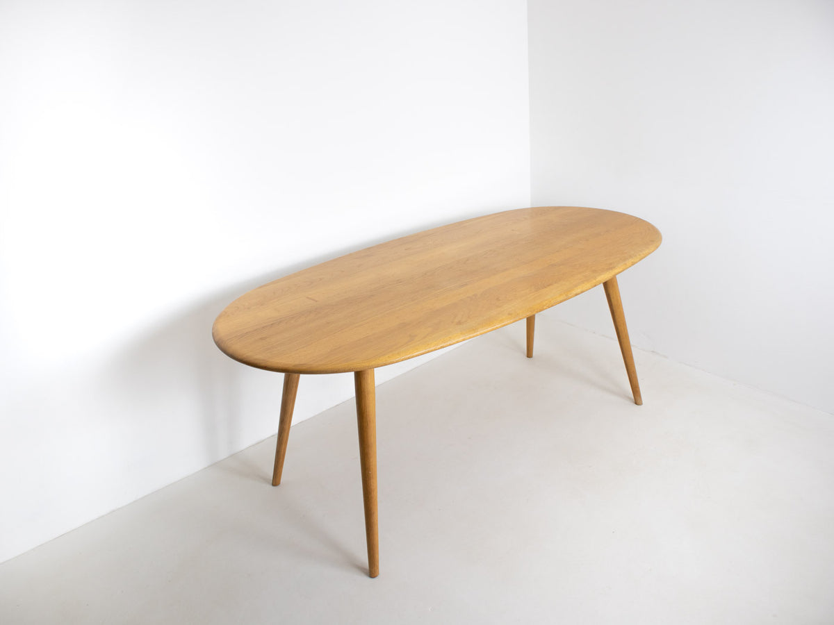 Scandi-style table