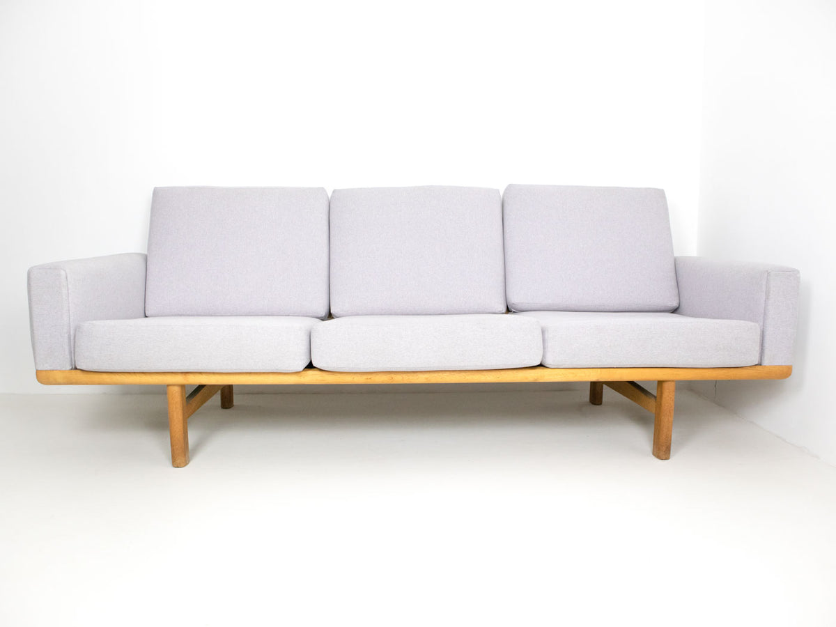 Hans Wegner GE236 Sofa for Getama - Oak