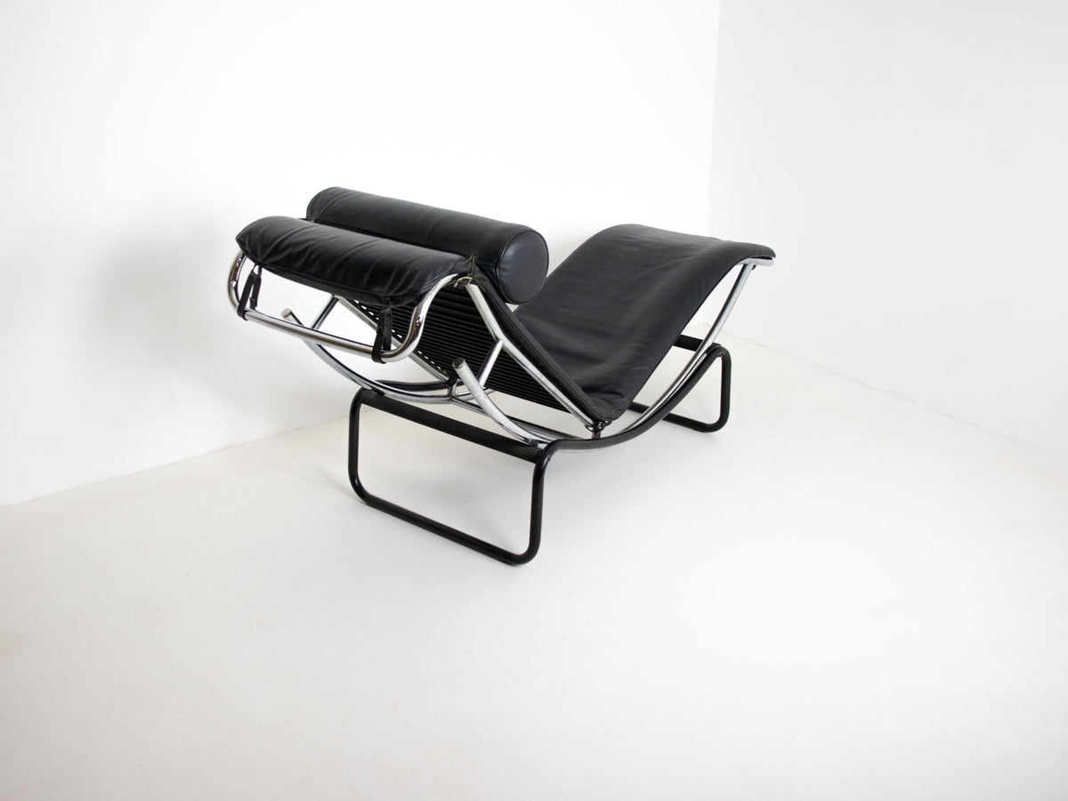 Le Corbusier-Style Recliner