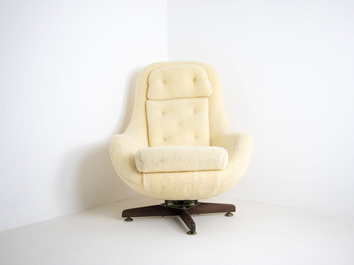 Mid Century Reclining Egg Chair