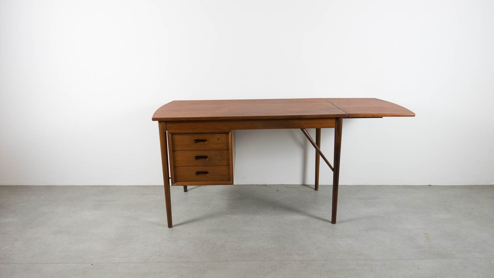 consign teak mobler desk danish products design edmonton domino img