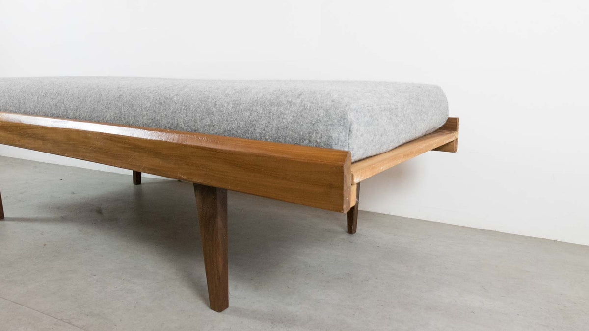 MCM daybed