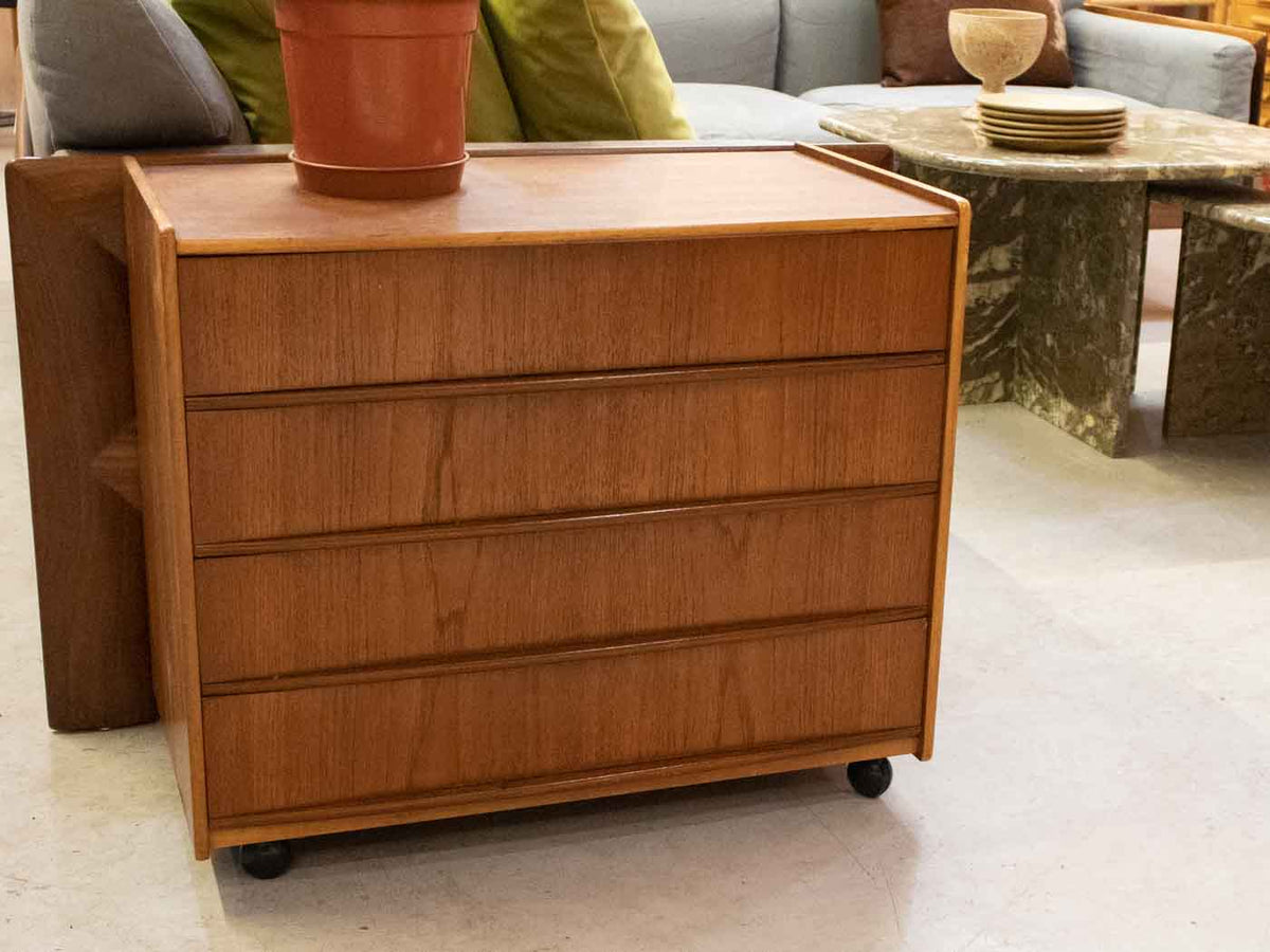 Small Scandinavian chest of drawers