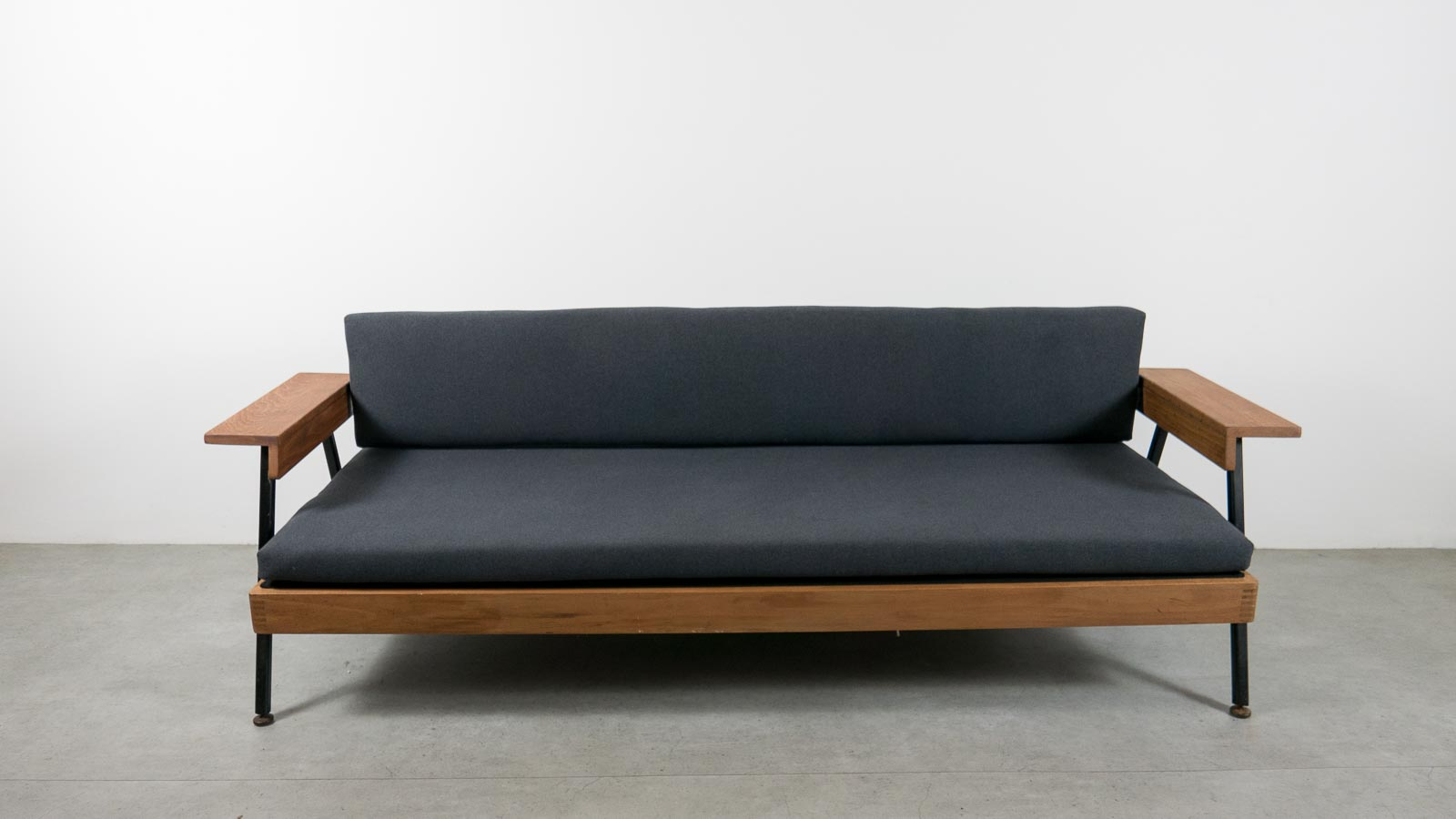 EBTD MidCentury Single Sofa Bed MidCentury Modern Lounge