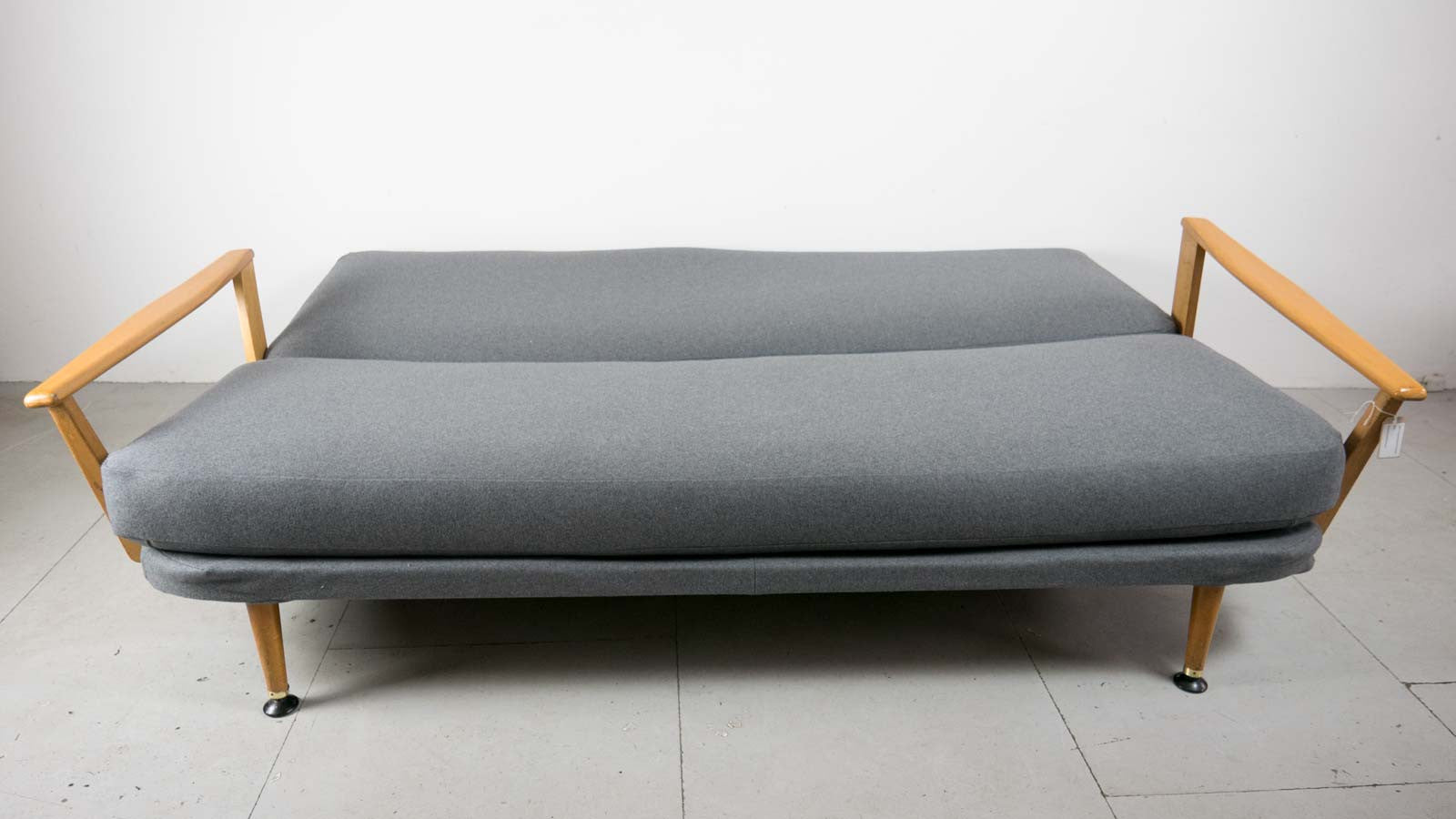Mid-century Sofa Bed Flat